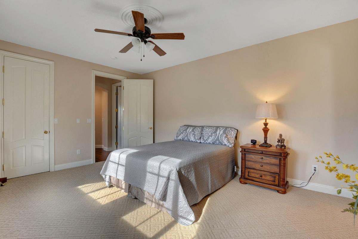 Luxury homes in Traditional Elegance in SouthShore