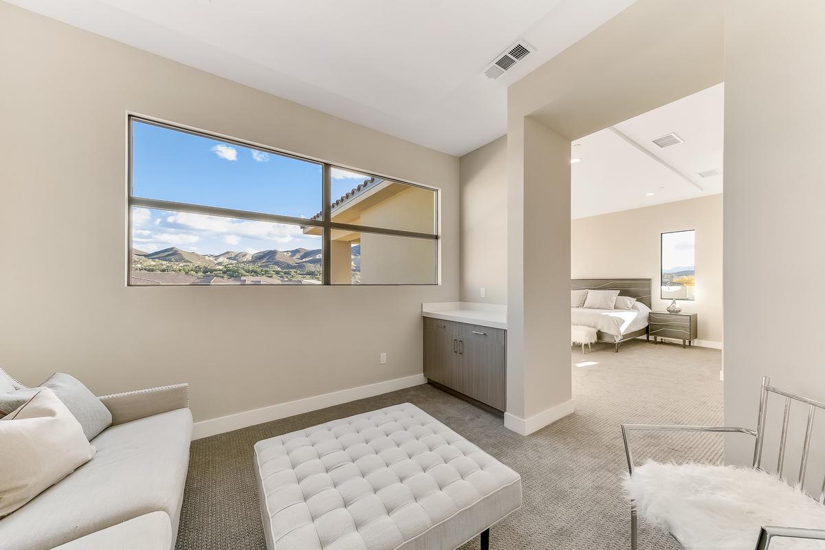 MODERN LUXURY IN LAKE LAS VEGAS luxury real estate