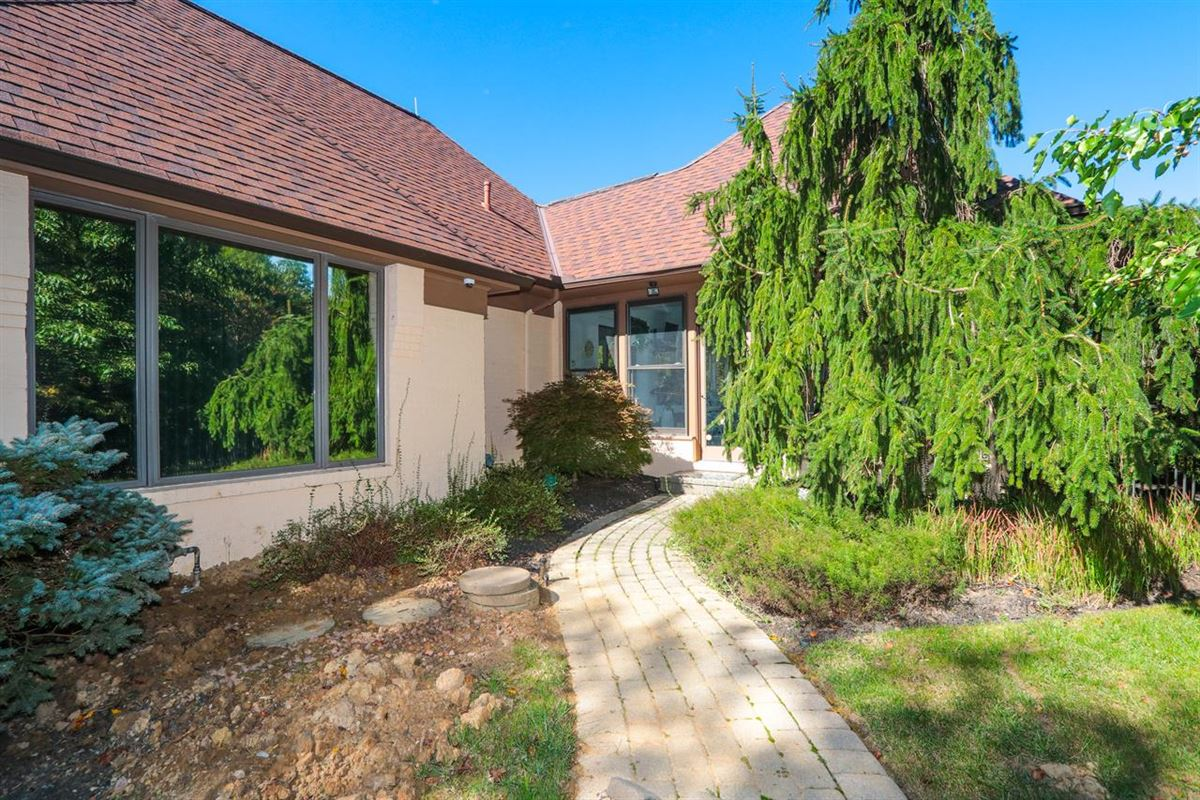 Luxury real estate Beautiful Contemporary on Four private acres