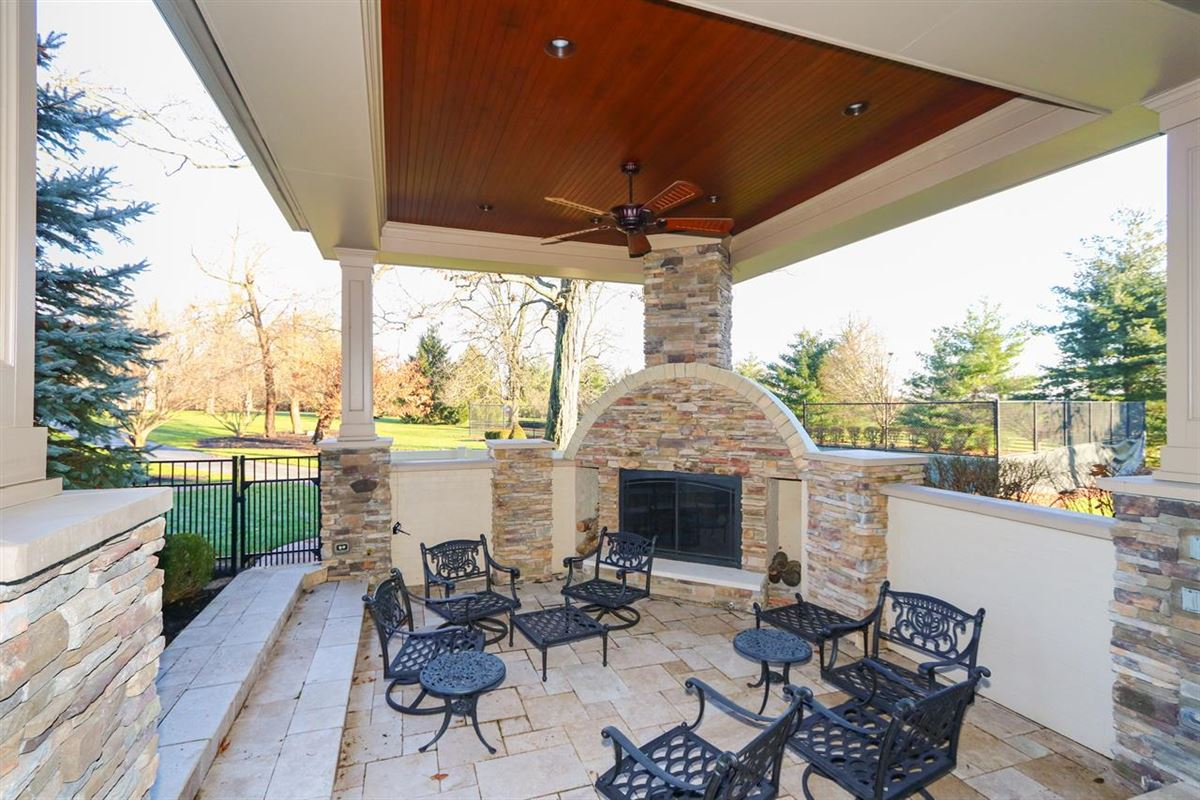 Mansions Exceptional Ranch Home on 5+ Acres