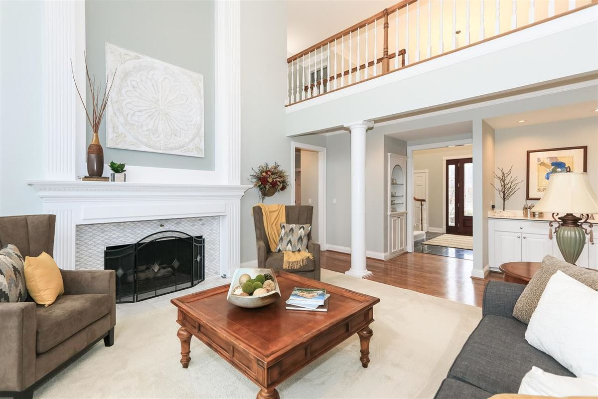 spacious home in Great location luxury properties