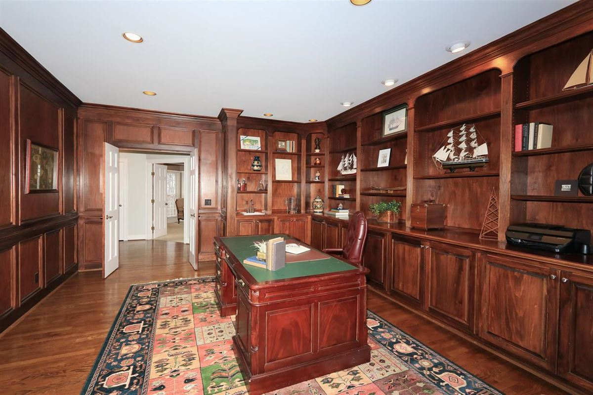 spacious home in Great location luxury real estate