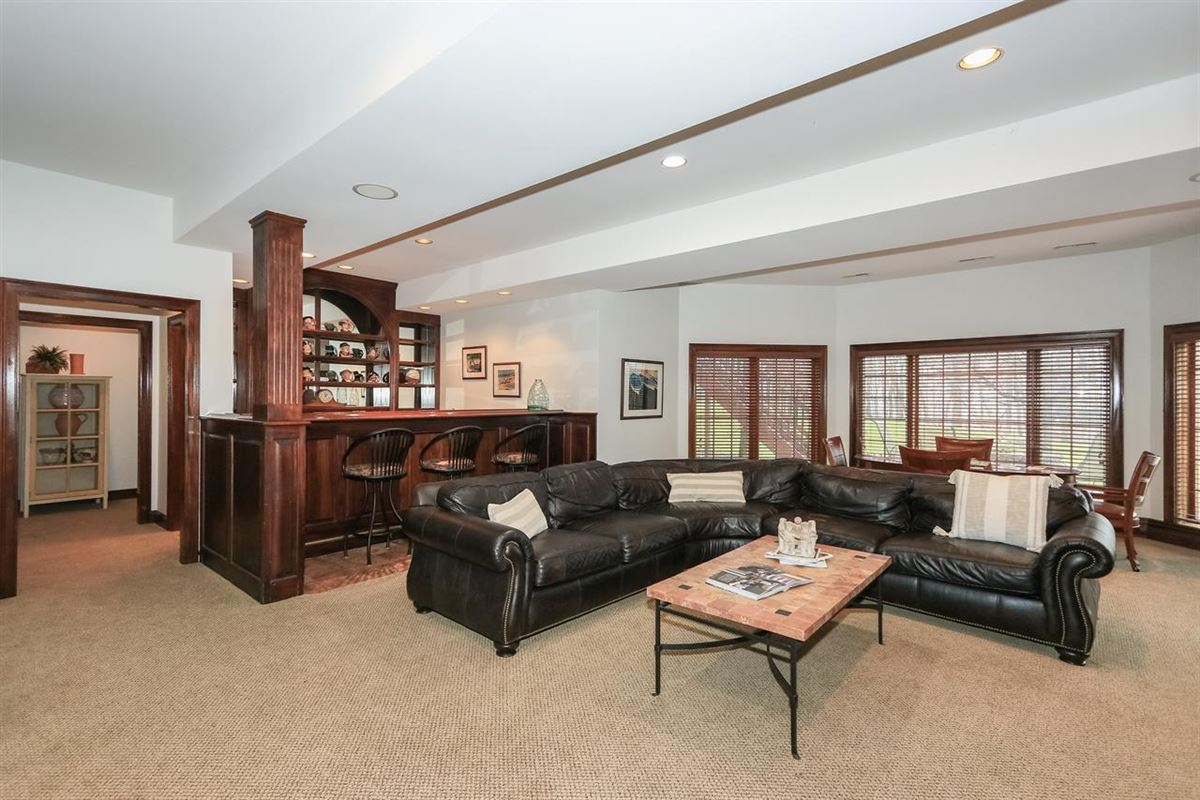 spacious home in Great location luxury homes