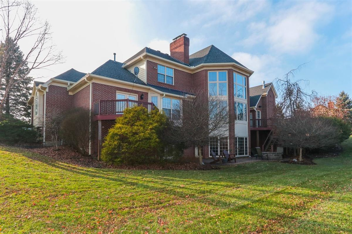 Mansions in spacious home in Great location