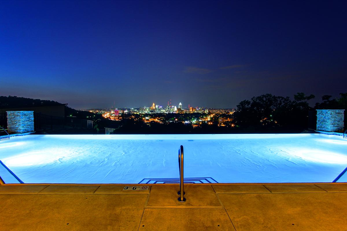 Luxury homes Penthouse unit with stunning views