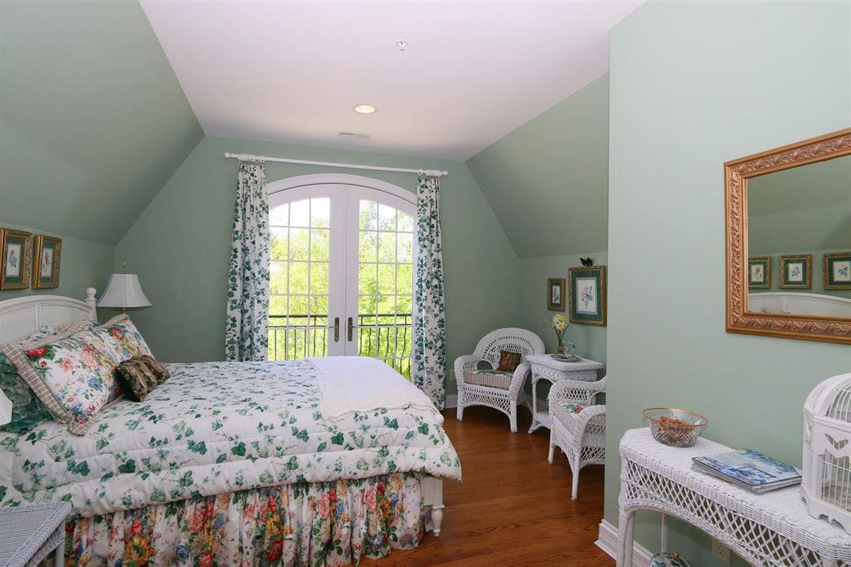 estate home on 280 acres luxury properties