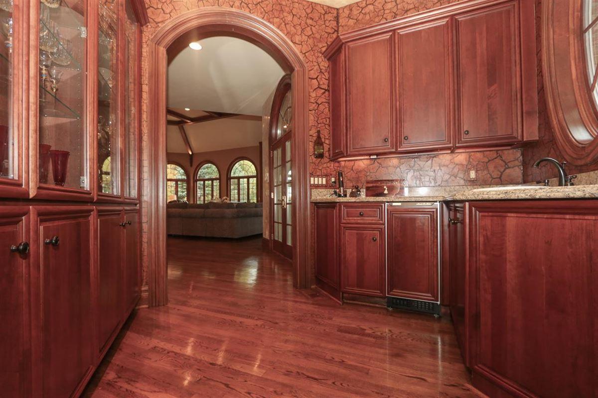 Beautiful Heritage Club Home luxury real estate