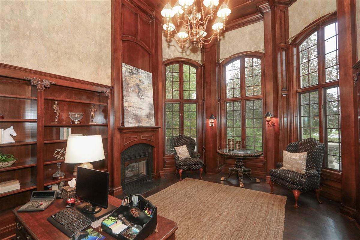 Luxury properties Beautiful Heritage Club Home