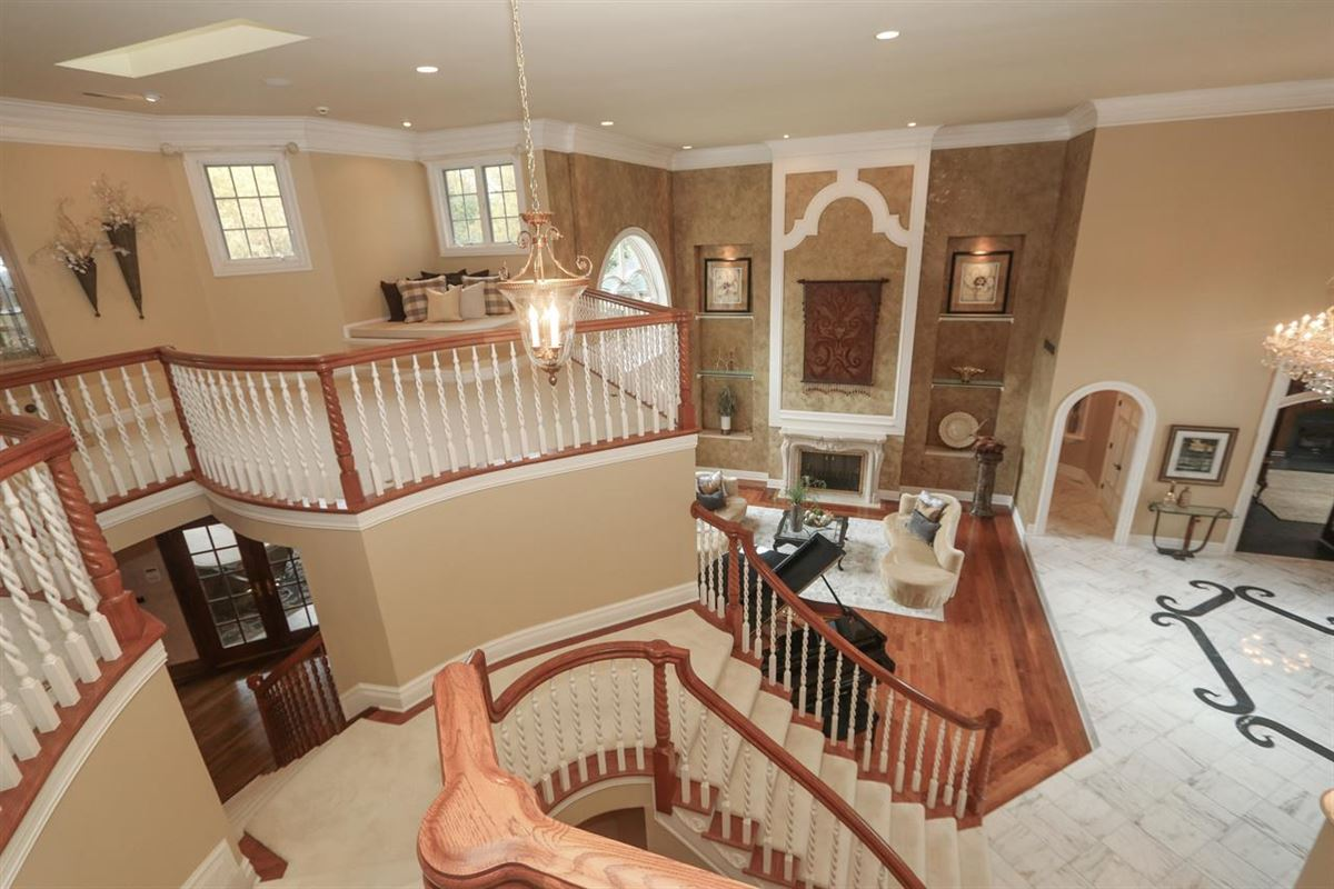 Luxury real estate Beautiful Heritage Club Home