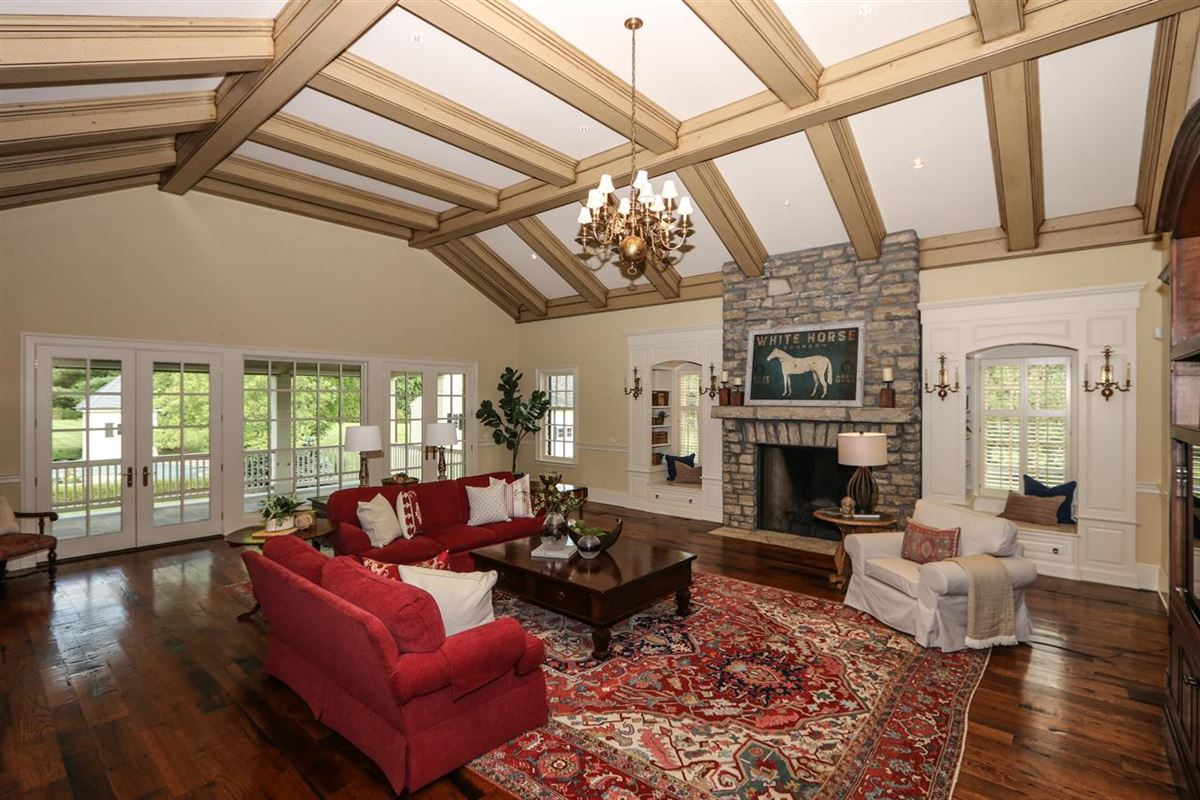 Magnificent Estate on 13 Lush Acres luxury homes