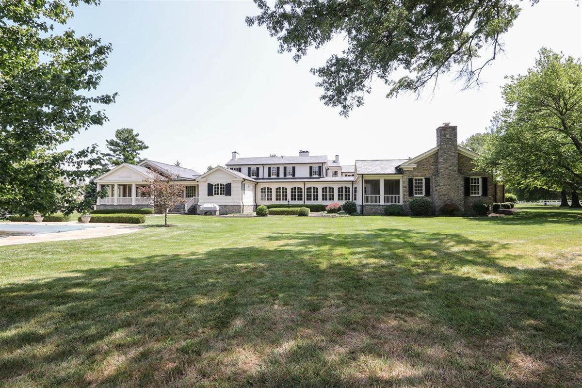 Magnificent Estate on 13 Lush Acres luxury properties