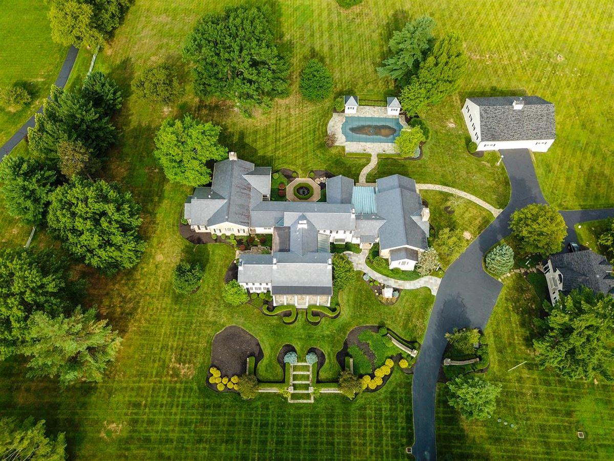 Magnificent Estate on 13 Lush Acres mansions