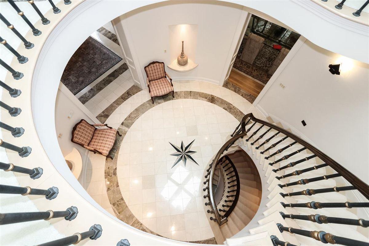 a Gorgeous custom home luxury homes