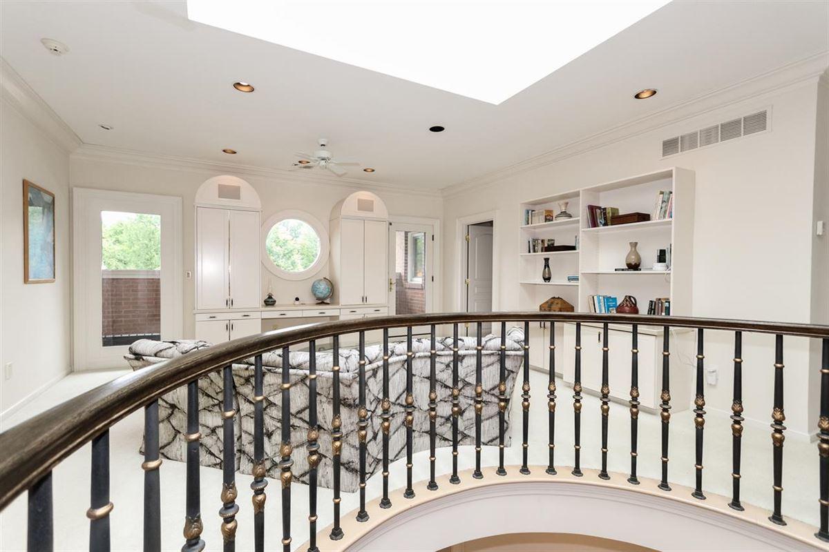 Luxury homes a Gorgeous custom home
