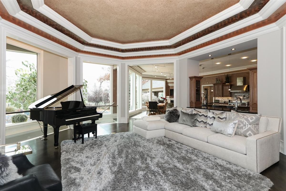 Luxury homes a rare find in Mason