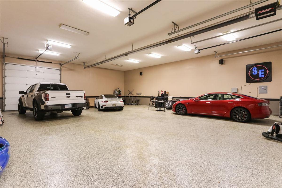 Luxury real estate a rare find in Mason