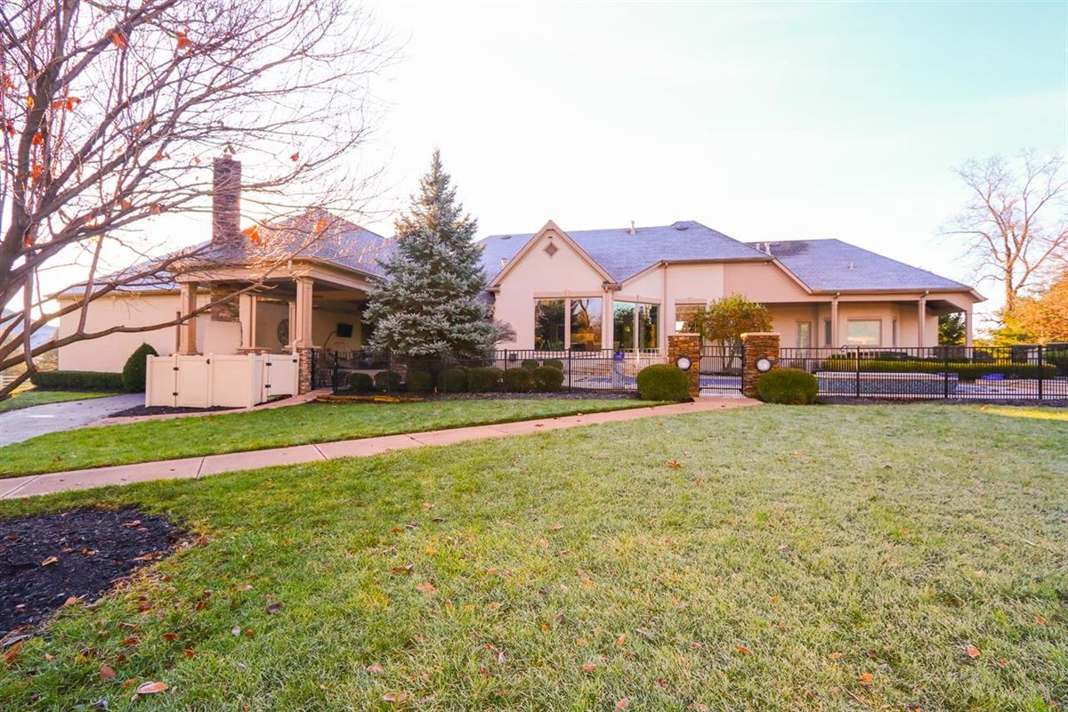 Luxury homes in a rare find in Mason