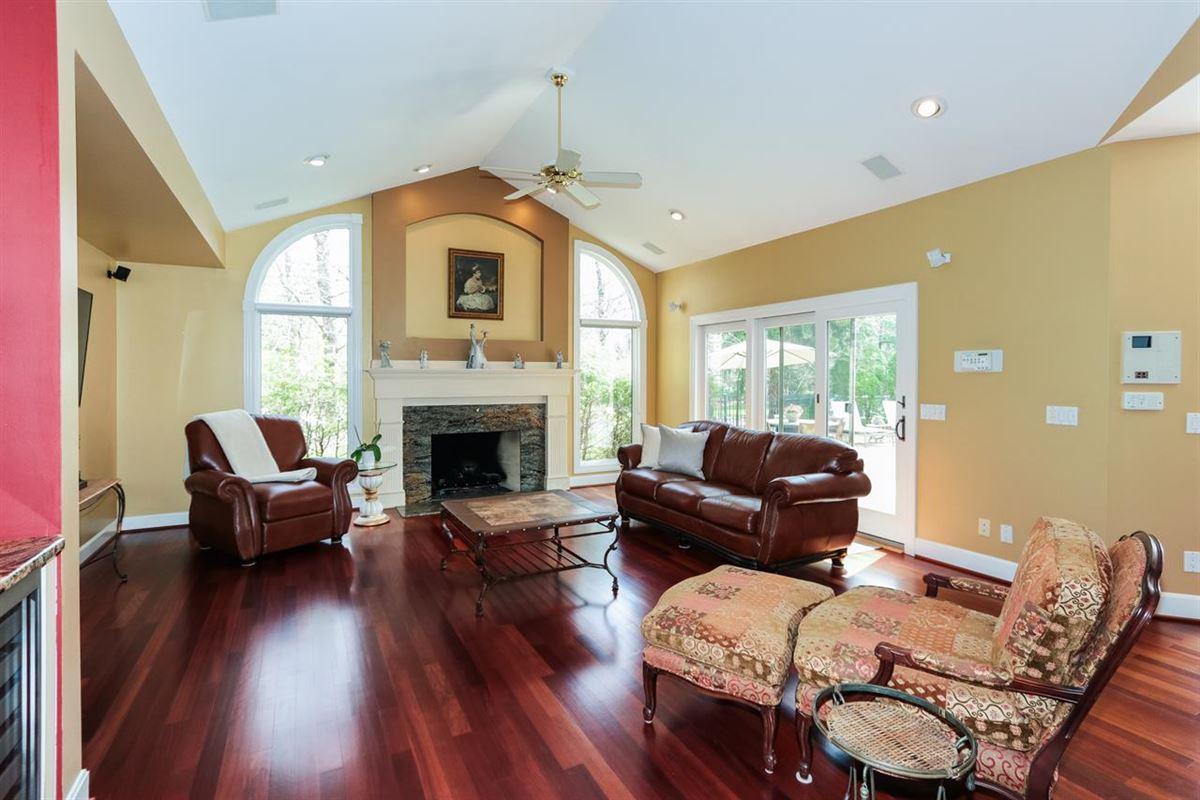 Luxury properties Exquisite quiet home