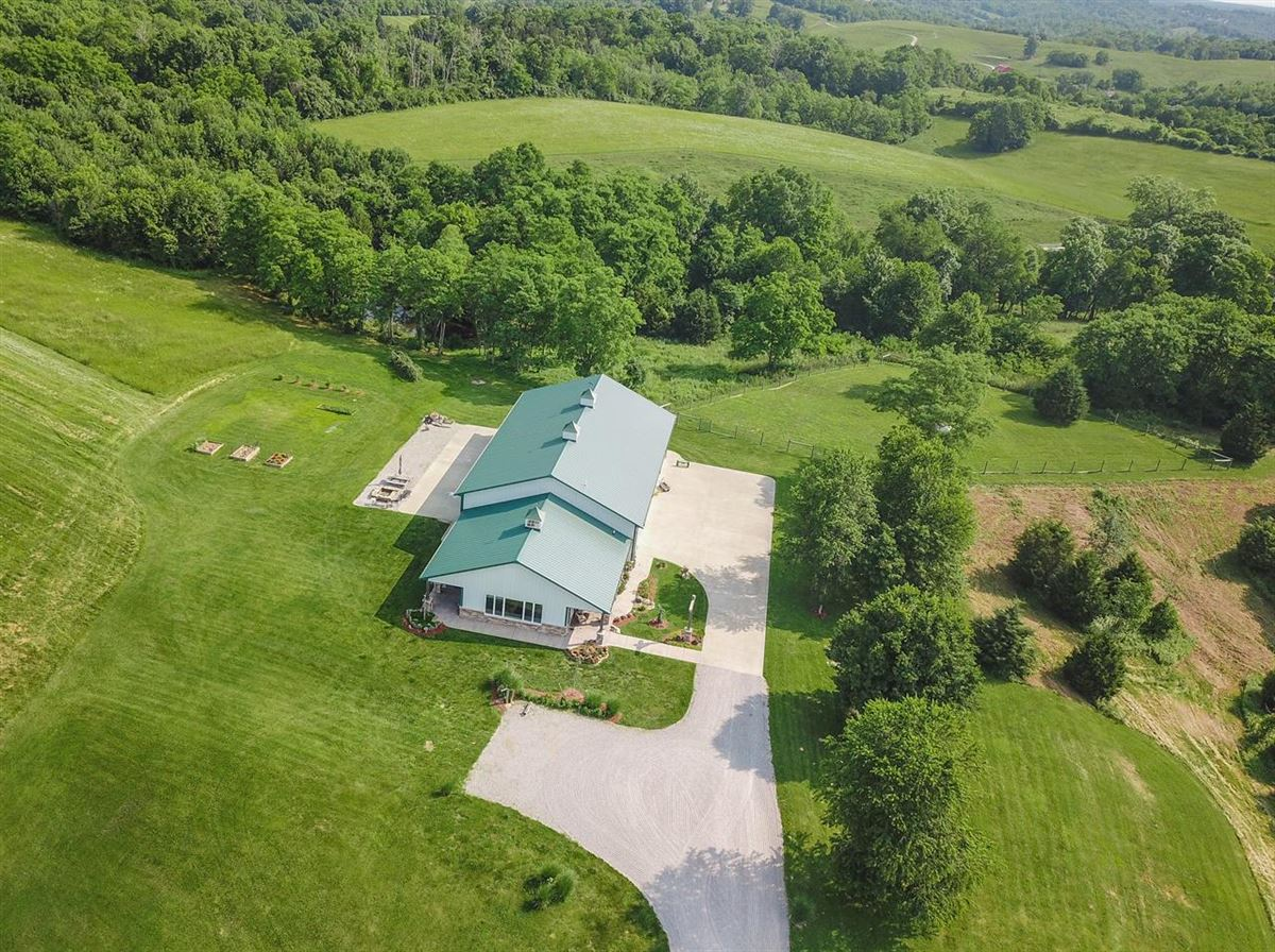 Paradise awaits just 20 minutes to Cinti on over 105 acres luxury real estate