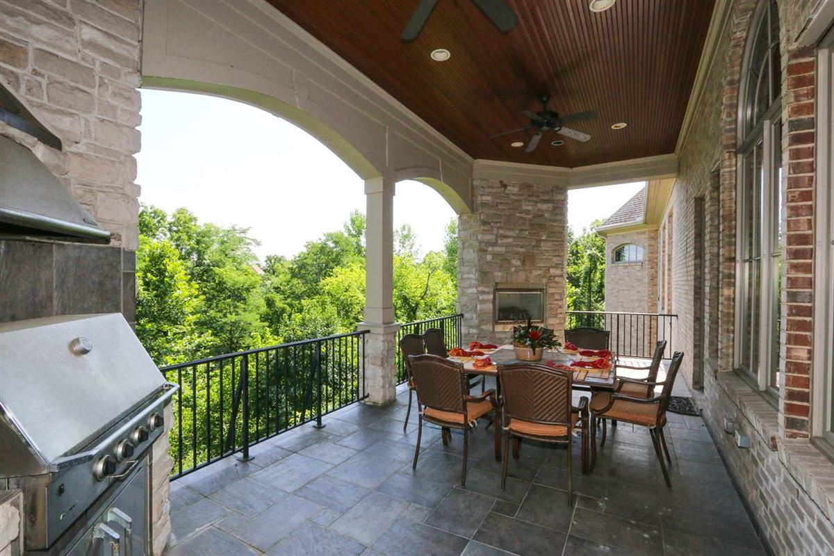 Attention to every detail in Kentucky luxury homes