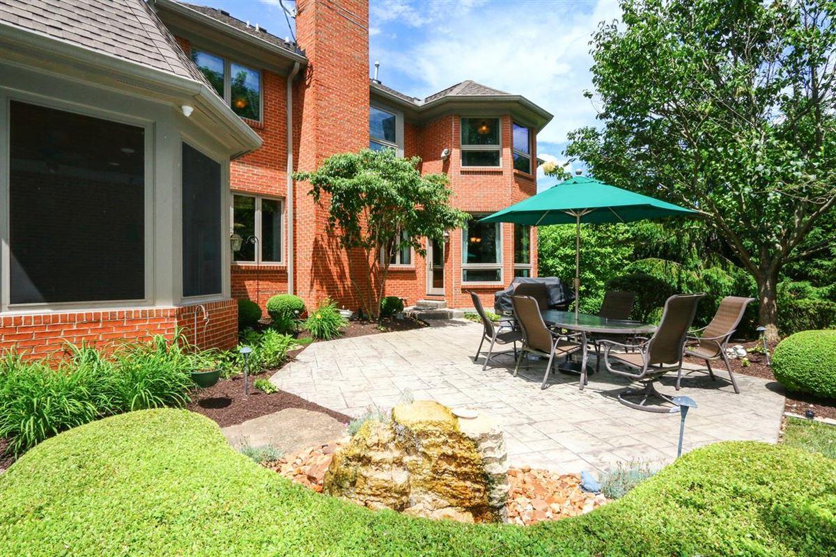 Mansions in Spectacular custom-built home on quiet cul-de-sac street