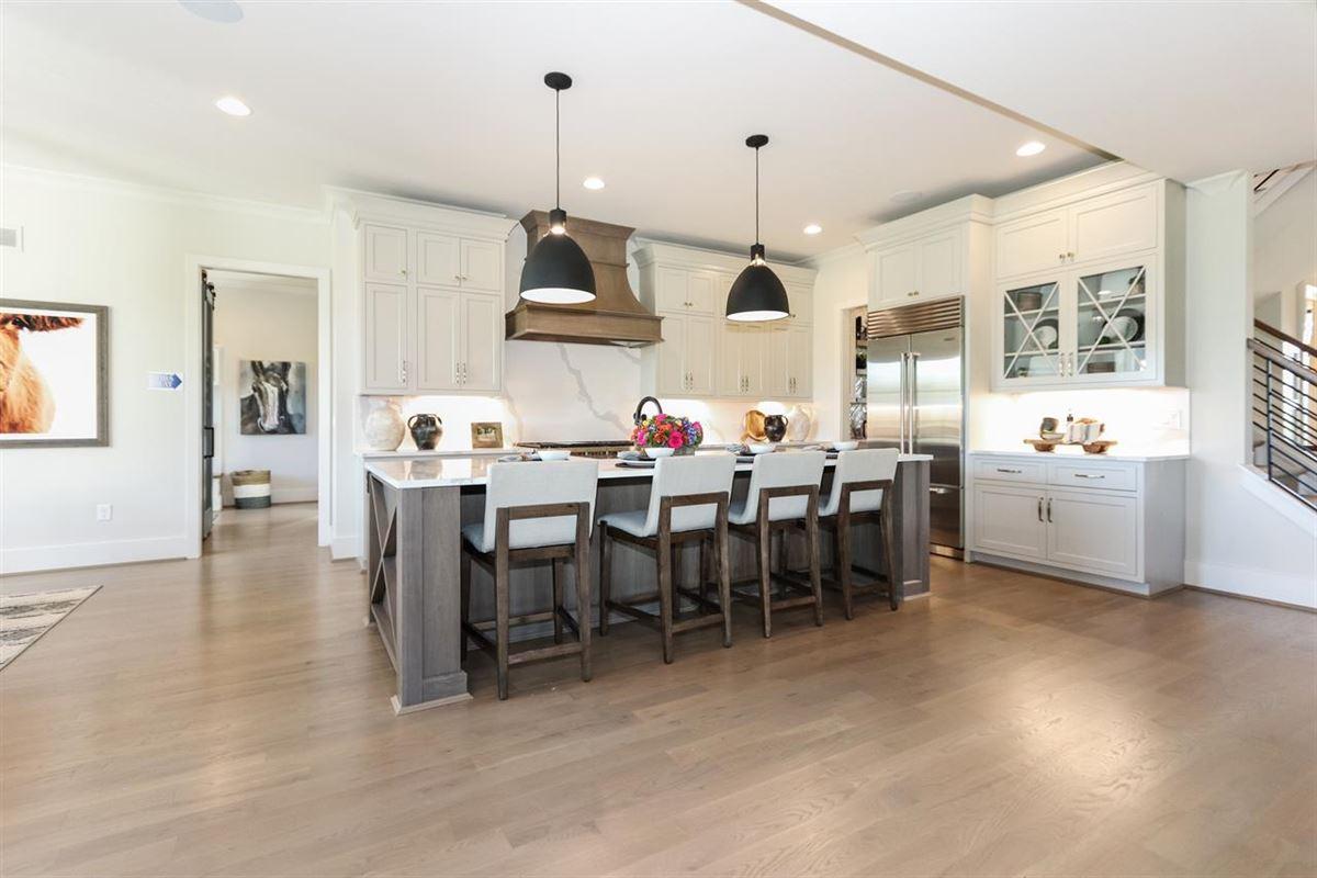 luxury new urban farmhouse mansions