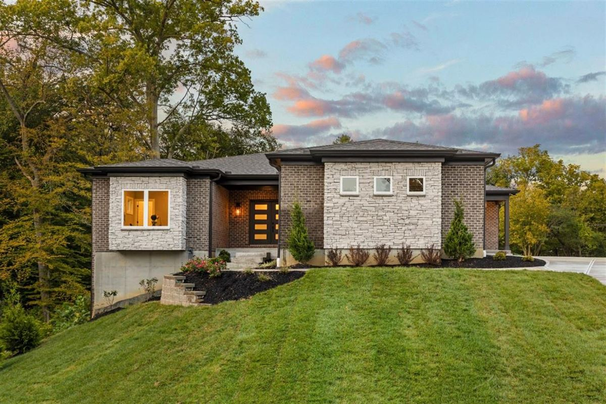 STUNNING NEW OPEN PLAN RANCH HOME | Ohio Luxury Homes ... on