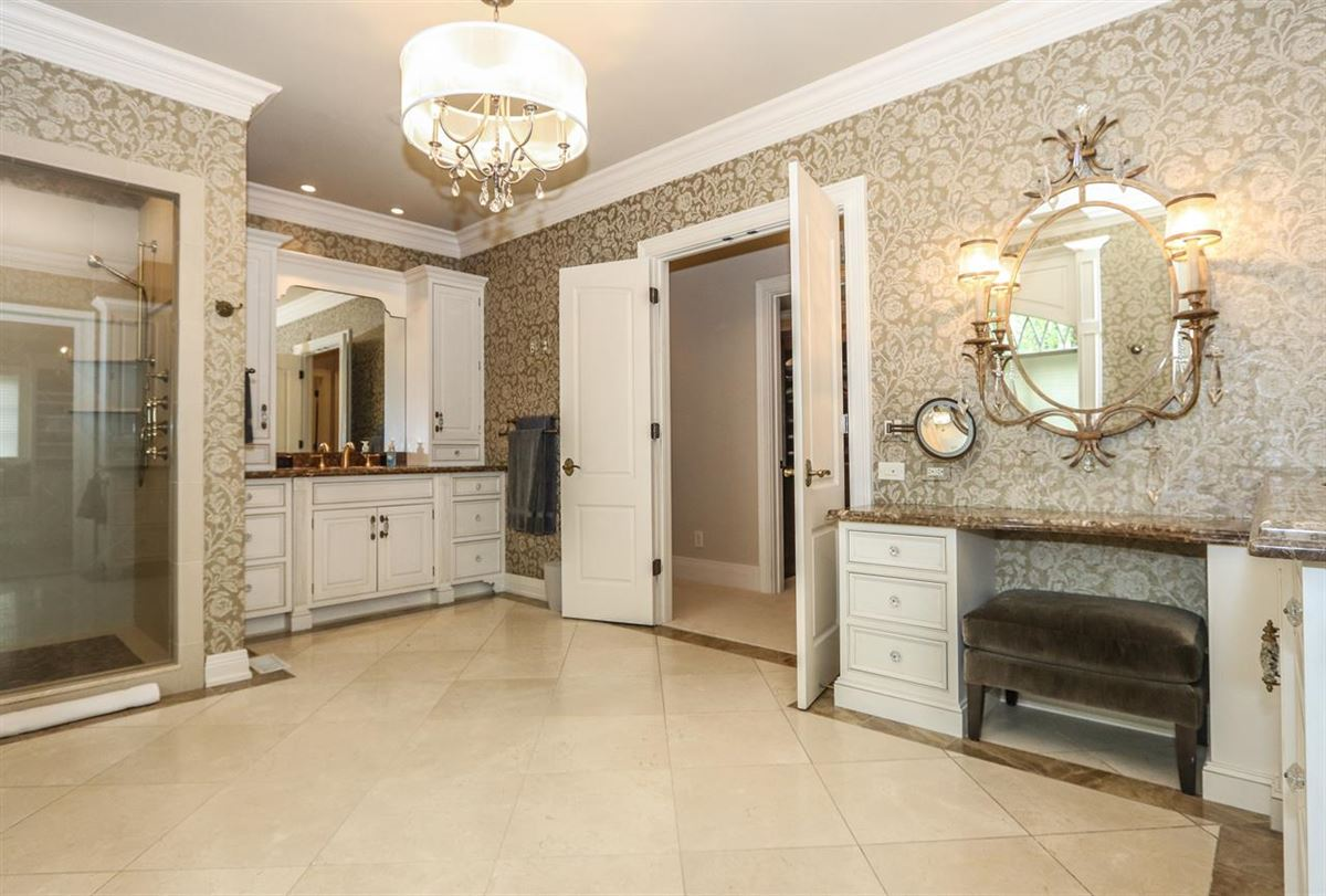 Luxury properties  a Hyde Park jewel In Ohio