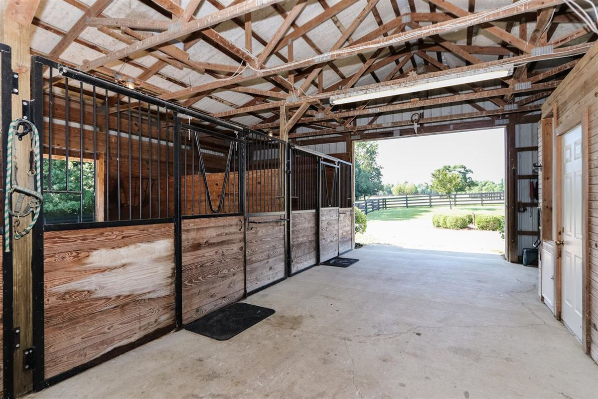 Mansions Impressive home and equestrian property