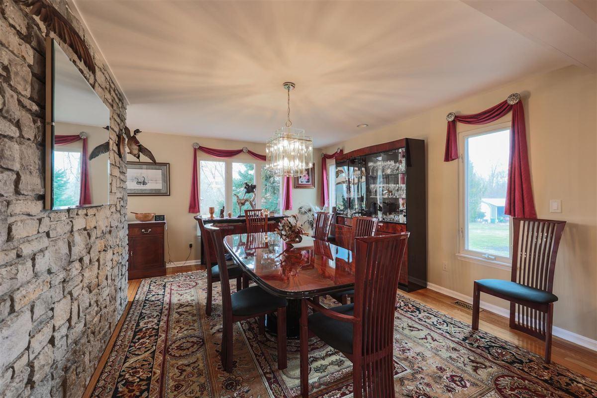 Luxury properties 52 Private Acres