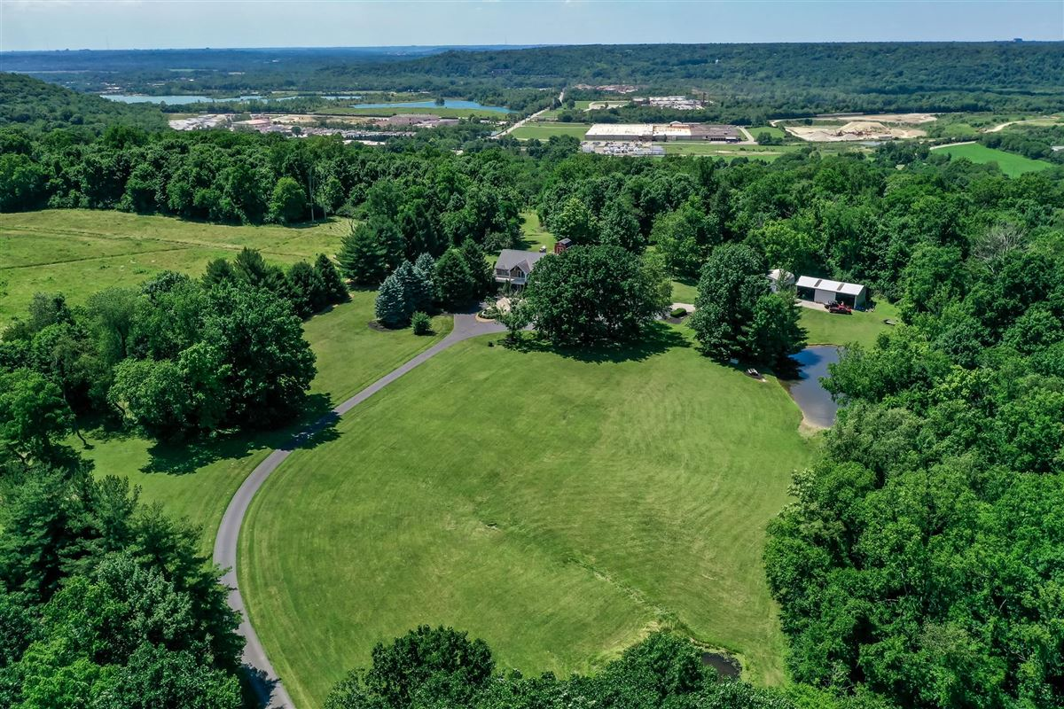 52 Private Acres mansions