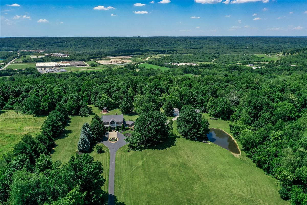 Luxury homes in 52 Private Acres