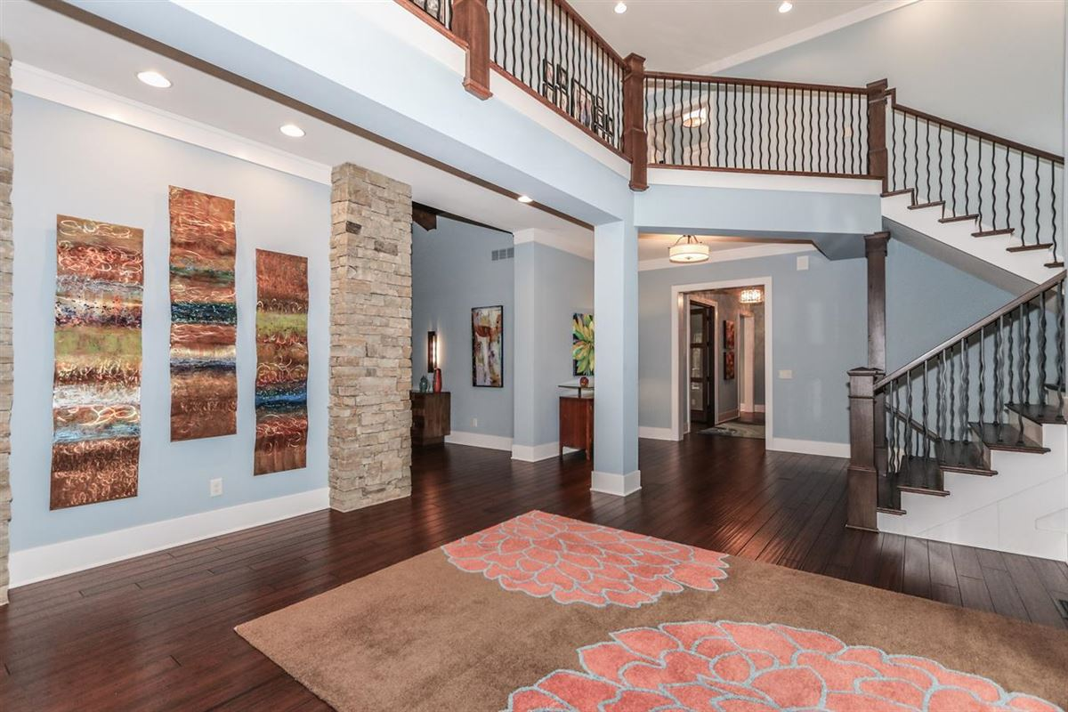 Luxury homes Amazing Transitional home with custom amenities