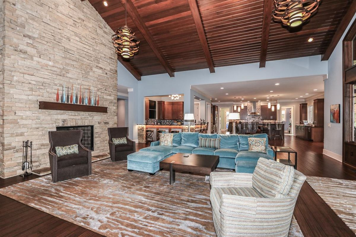 Amazing Transitional home with custom amenities luxury real estate