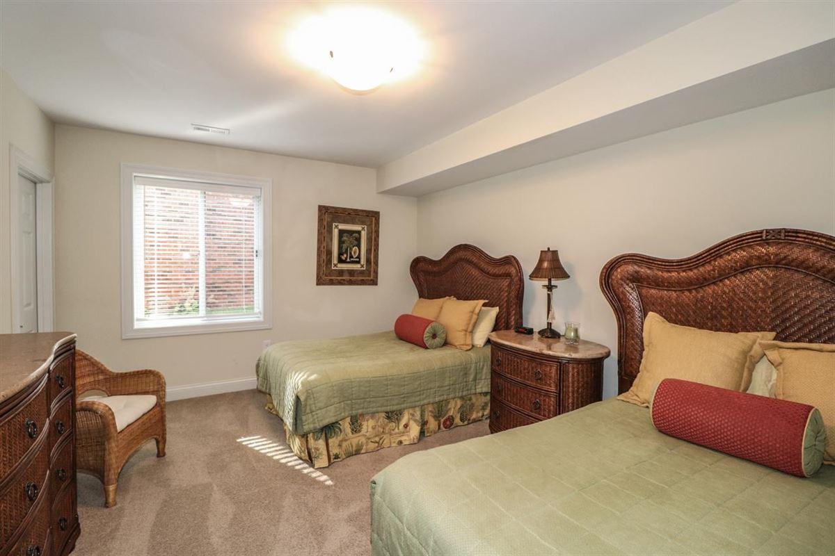 Luxury properties Dramatic Hanover club home