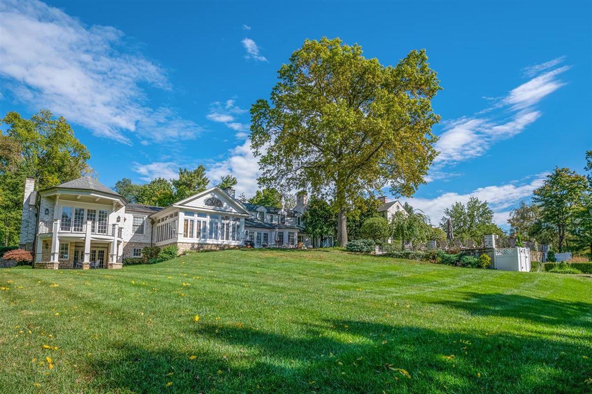 Luxury real estate Beautiful estate home