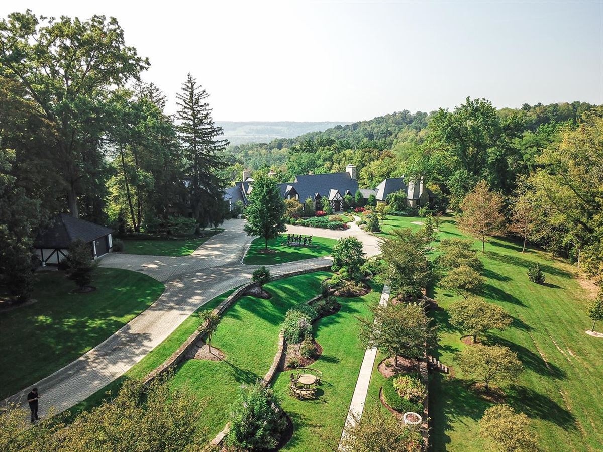 Luxury homes in Trophy lodge with sweeping valley views