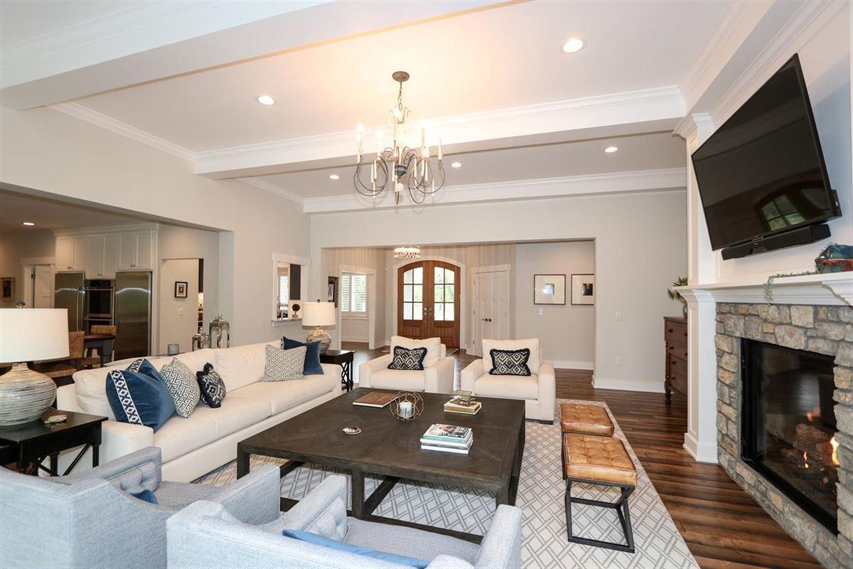 Luxury properties STUNNING TRANSITIONAL.