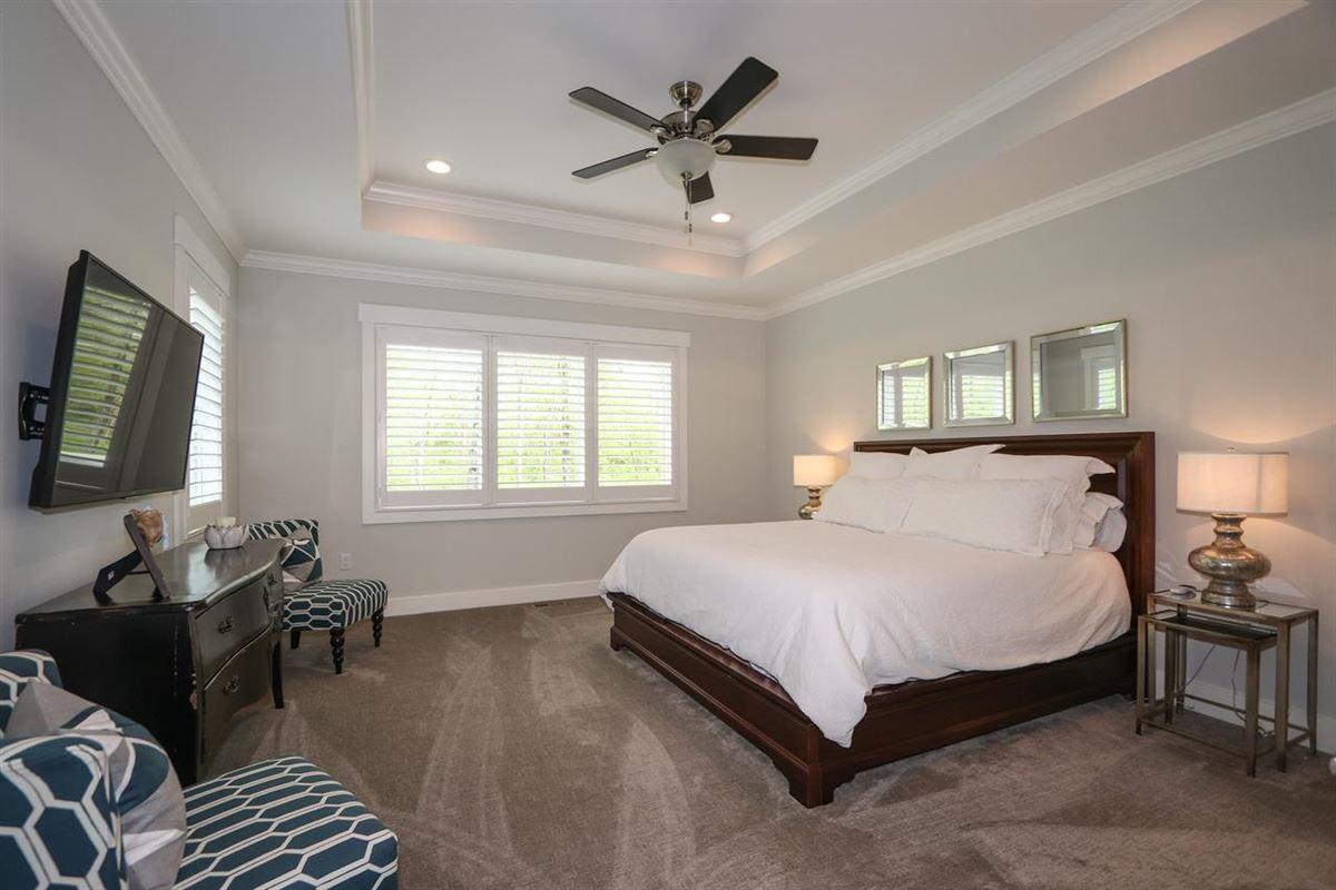 STUNNING TRANSITIONAL. luxury real estate