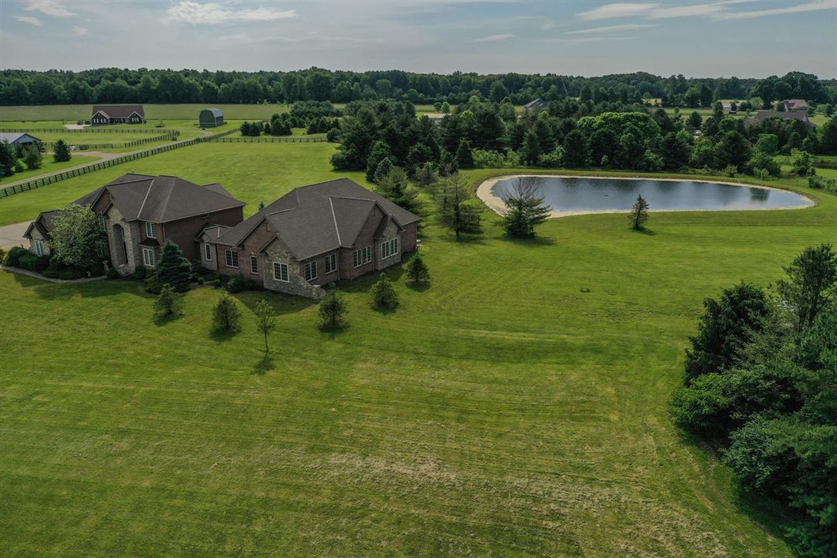Luxury homes Beautiful, Custom Home on 14+ Acres