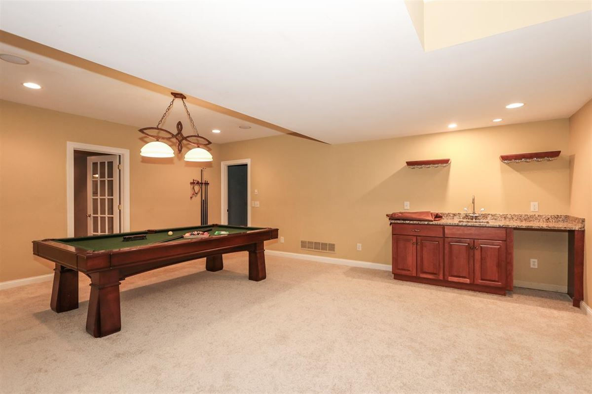 Luxury properties Custom home on desirable cul-de-sac