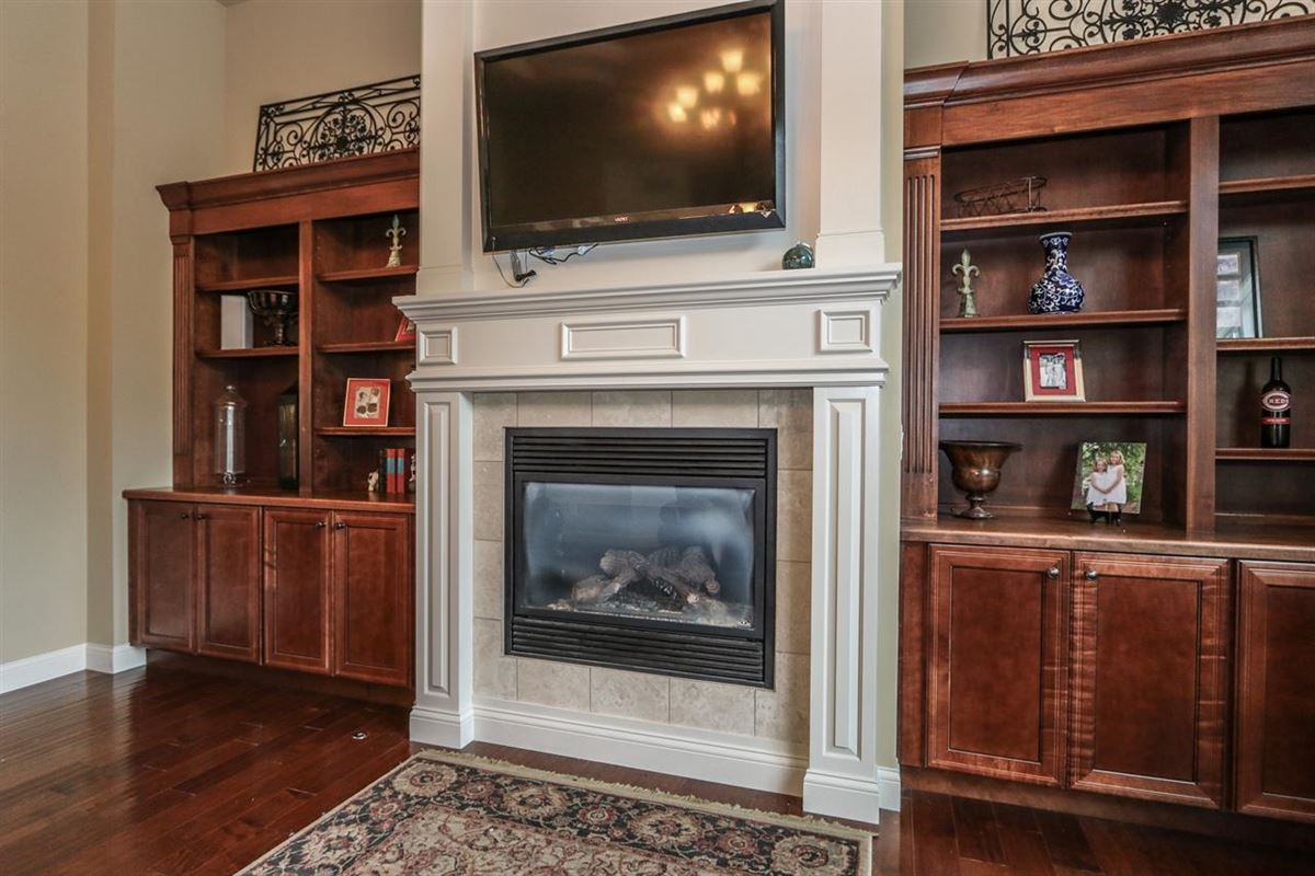 Luxury homes in beautiful custom ranch
