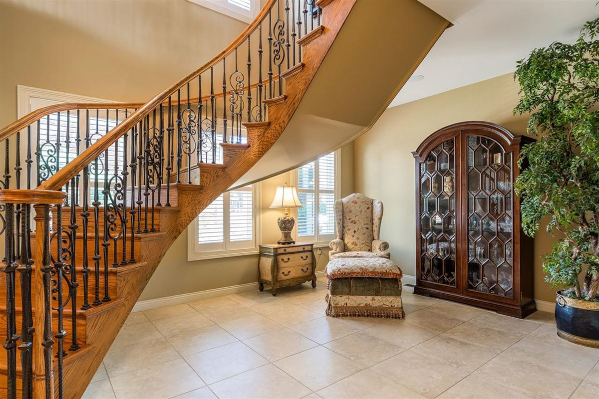 Luxury real estate Lifestyle Townhome with Sweeping Views and no HOA