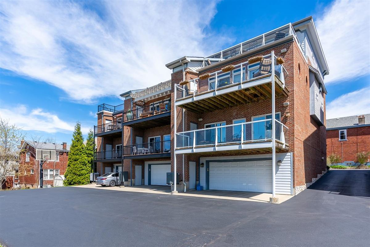 Lifestyle Townhome with Sweeping Views and no HOA mansions