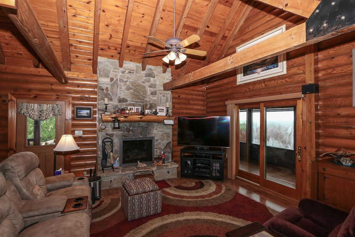 Luxury homes Beautiful, 79-acre equestrian estate with log home