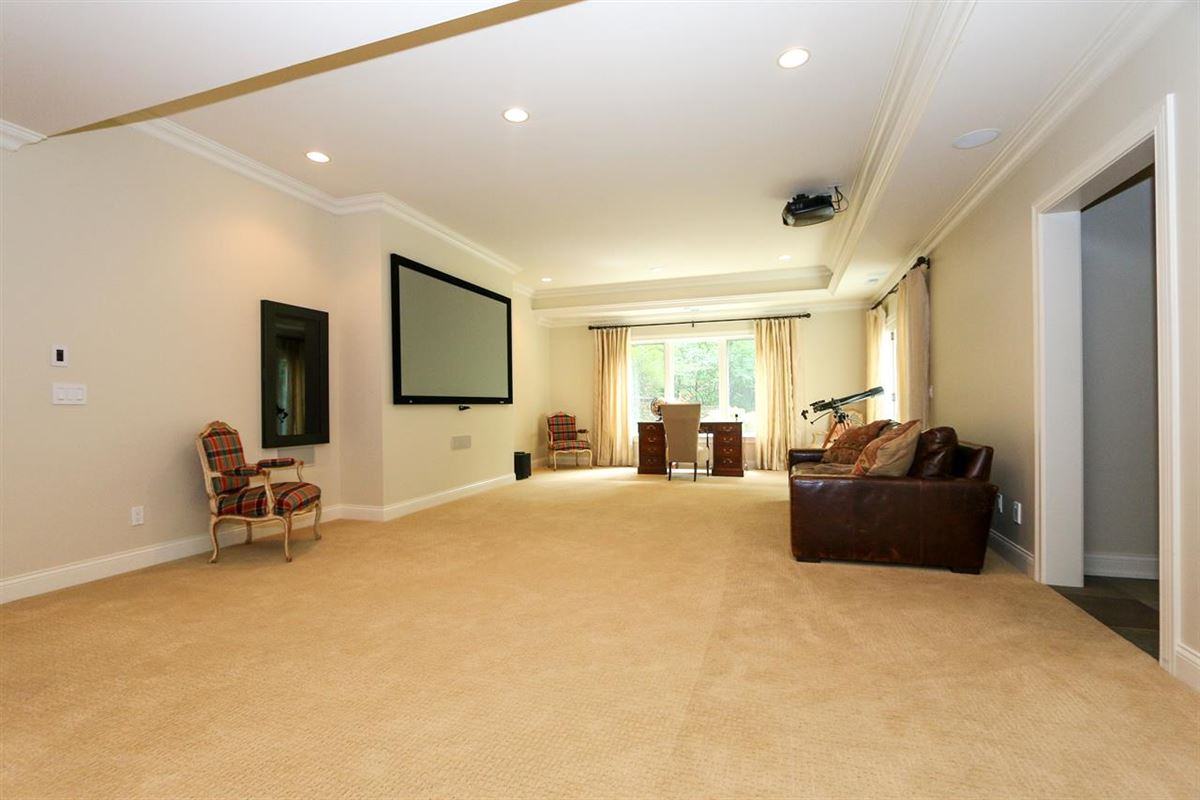 Luxury homes in architectural excellence throughout
