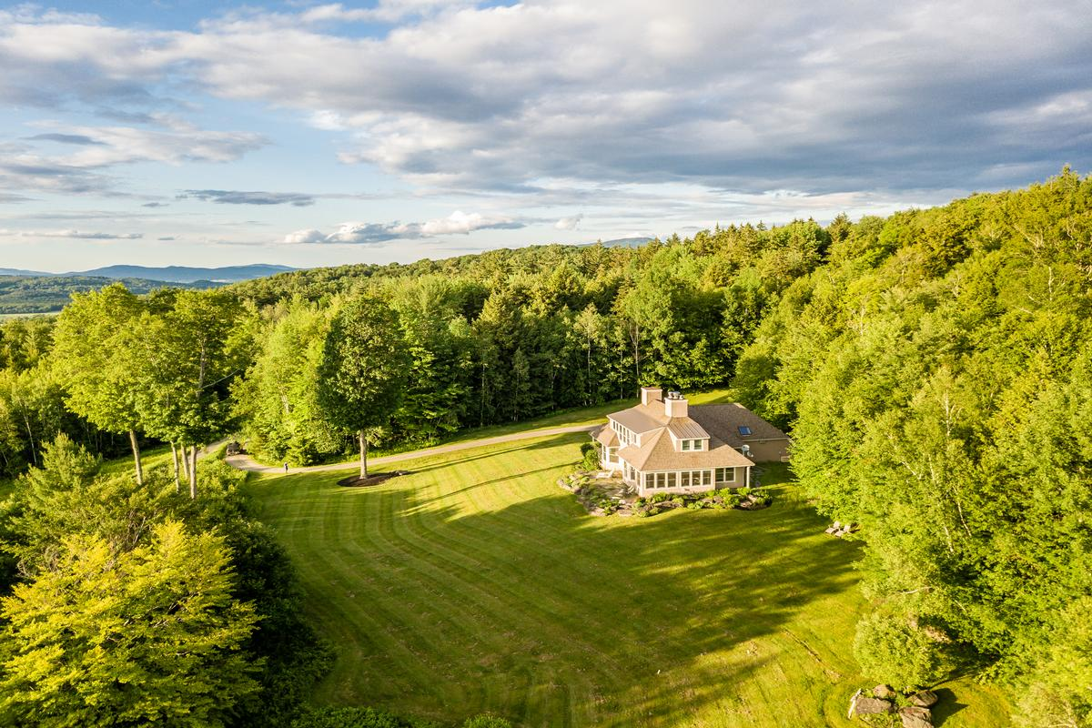 Mansions Stowe Home for All Seasons