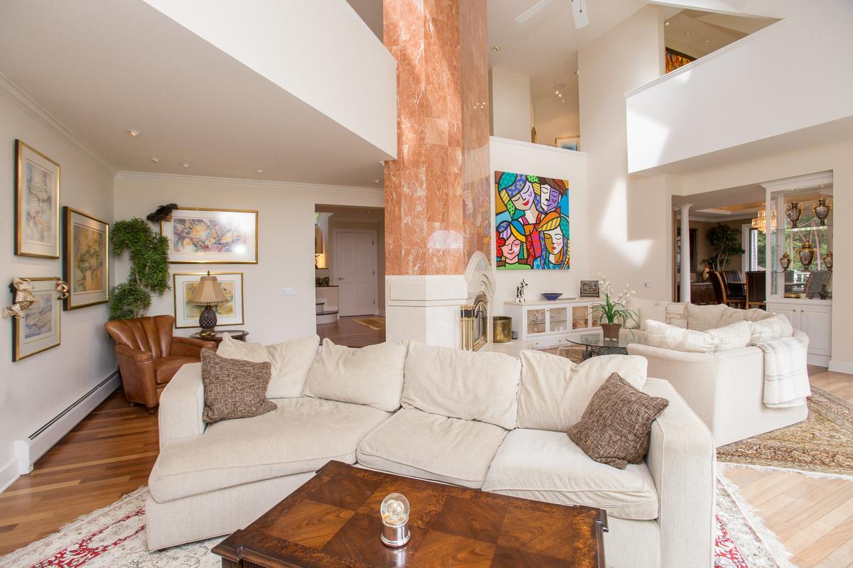 Luxury properties Edson Woods Estate