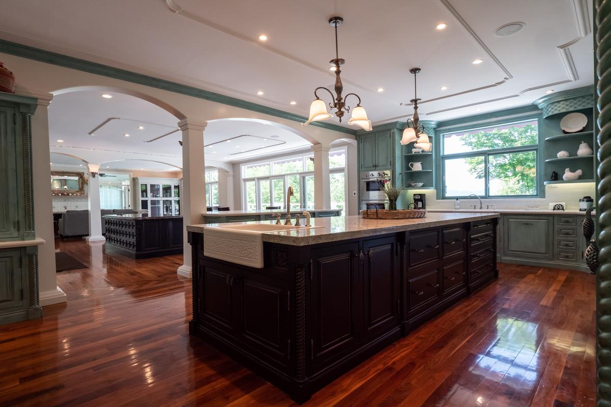 Architecturally Designed Stowe Residence luxury properties