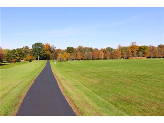 Luxury homes over 50 park-like acres